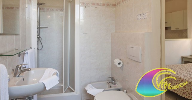<b>Elba Residence il Doge bagno monolocale